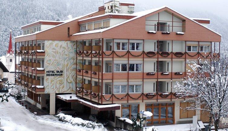 Hotel siusi seiserhof siusi allo sciliar castelrotto hotel 3s stelle alpe di siusi dolomiti - Hotel alpe di siusi con piscina ...